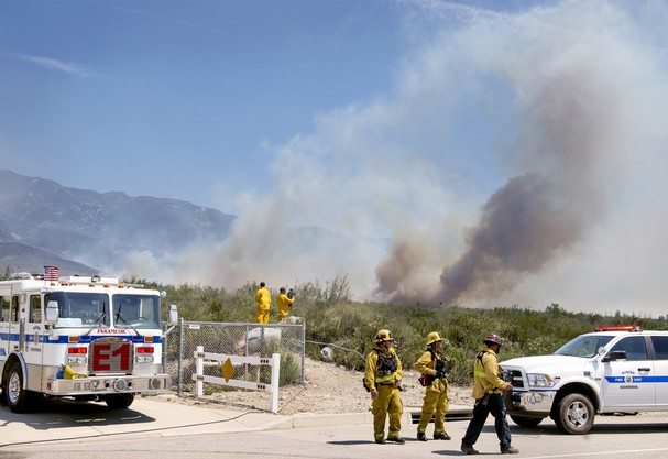 Etiwanda Fire Expands to 1,000 Acres
