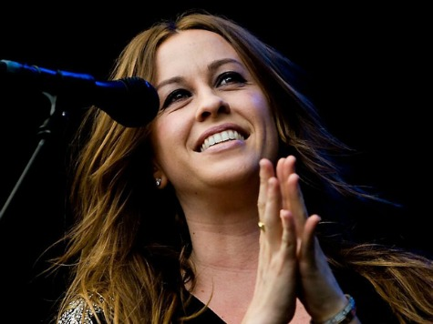 Alanis Morissette Performs at Williamson Campaign Rally