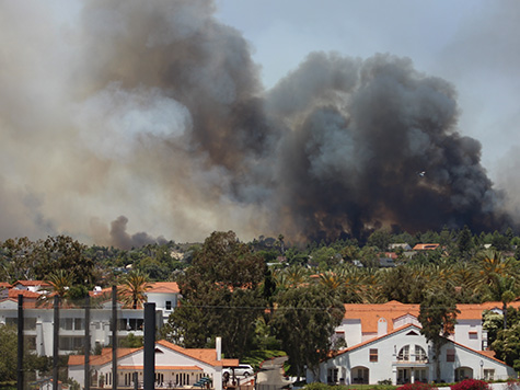 Homes Destroyed, Thousands Evacuated as Fires Rage in San Diego County