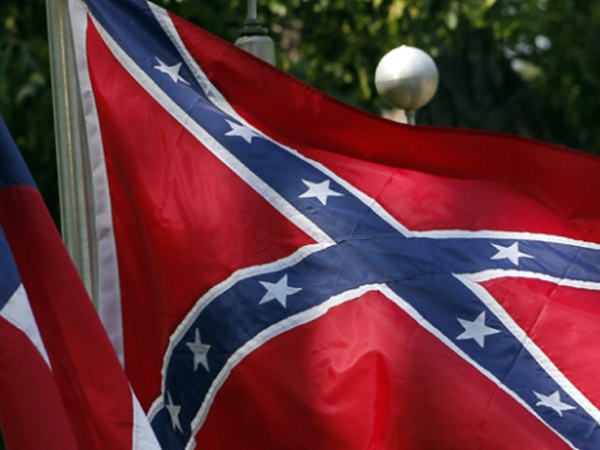 Veteran Protests Confederate Flag at National Cemetery in L.A.