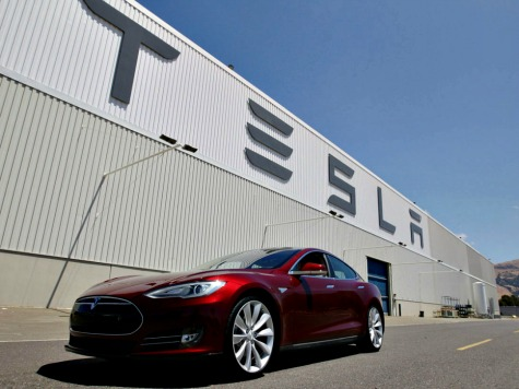 Tesla Visits Santa Monica, Deciding Where to Build $5 Billion Factory