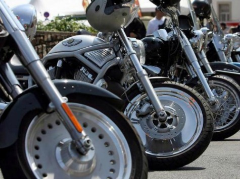 Bikers, Police Gear Up For July 4th Hollister Biker Rally