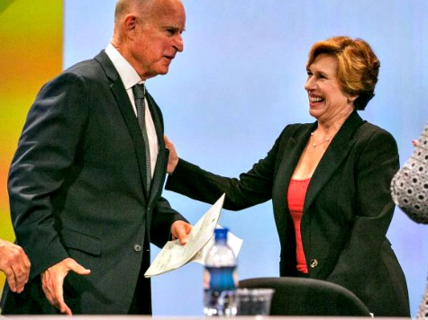 Gov. Jerry Brown Breaks Silence on Border Crisis, Takes Jabs at GOP, Texas