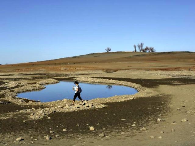 'Depressing' Drought Killing Businesses Near Dry Folsum Lake