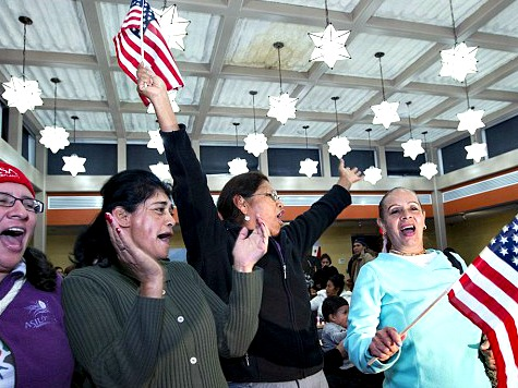 1.1 Million Illegal Alien Parents To Stay in CA Under New Obama Amnesty