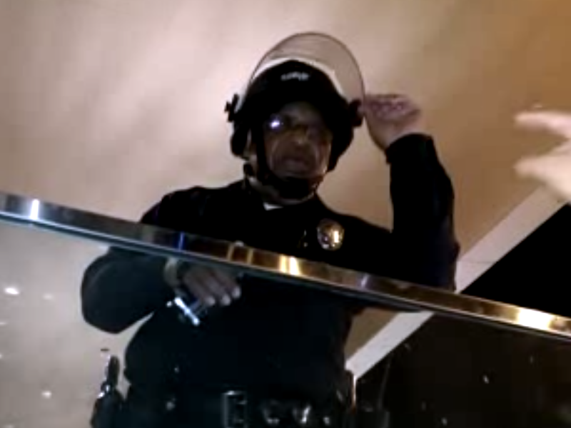 Video: White Ferguson Protester Lectures Black Cop on Racism