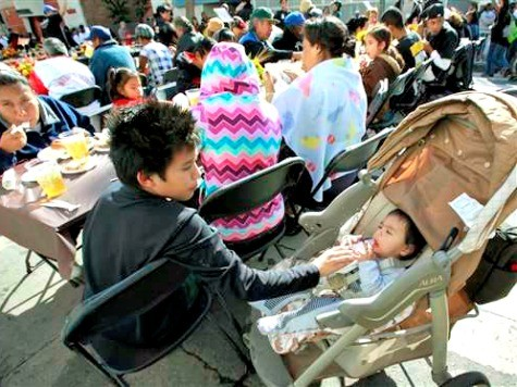 Early Thanksgiving on Skid Row Provides 'Blessings' With the Help of Friends