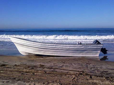 Thanksgiving Panga Boat Abandoned in NorCal, 8 Suspects in Custody