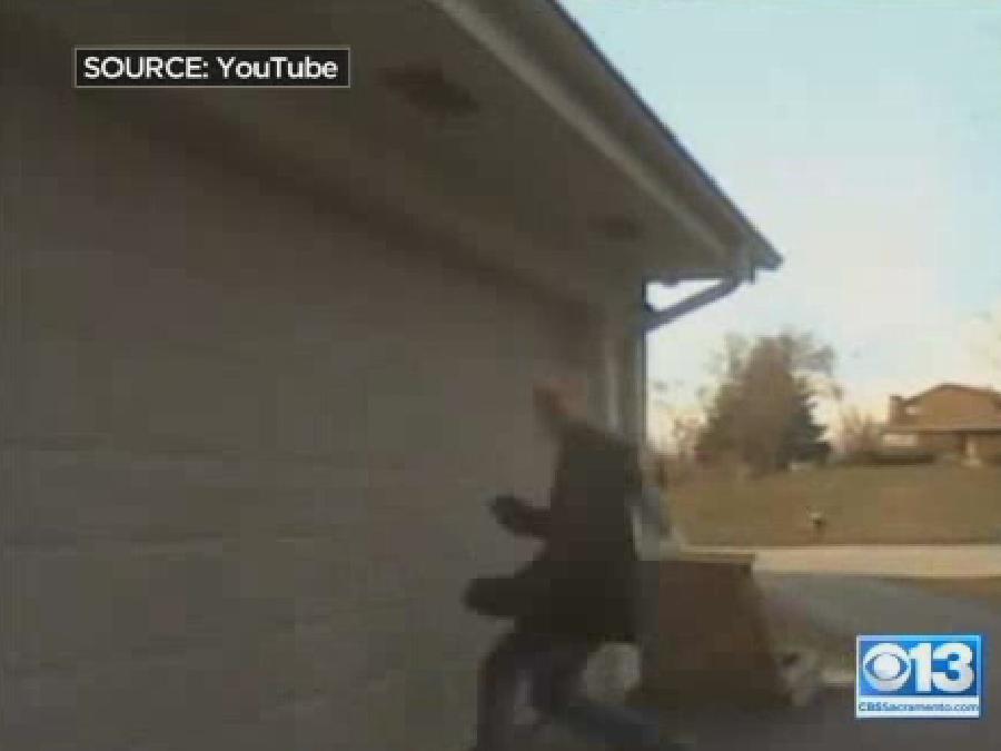 Latest Trend: Body-Slamming Garage Doors