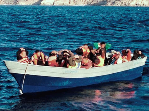 17 Illegals Caught in Crowded Boat near Catalina Island