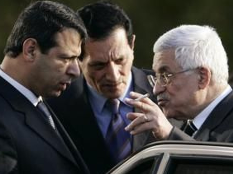 Abbas Accuses Rival of Murdering Arafat