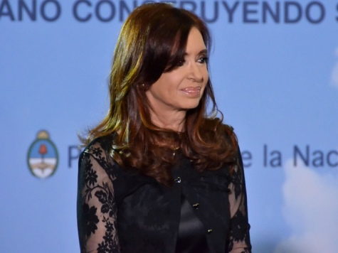 Argentine President Backs Russia on Crimea, Compares it to Falkland Islands