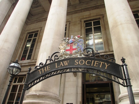 Law Society Apologises, Withdraws Guidance on Sharia Law