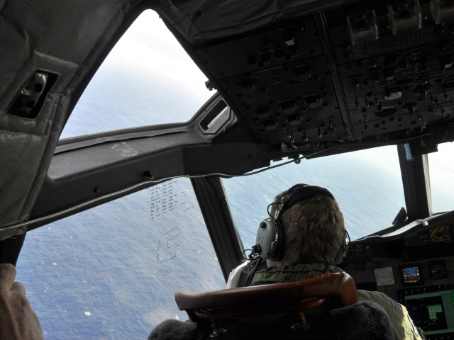 Acoustic pings at heart of MH370 hunt 'not likely' from black box