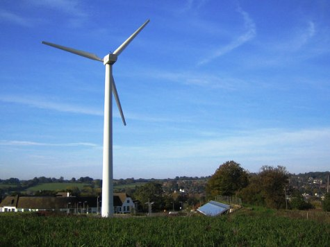 Report: Wind Farms Can Reduce House Prices by Up to 12 Percent