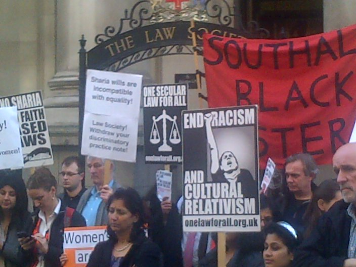 Protesters Picket Britain's Law Society Over Sharia Implementation