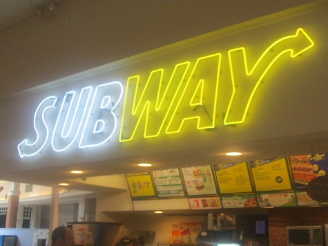 Subway Removes Ham and Bacon from 185 UK Stores After 'Strong Demand' from Muslims
