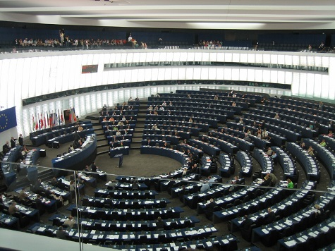 Conservative MEPs Divided 3 Ways as European Parliament Votes for Juncker Commission
