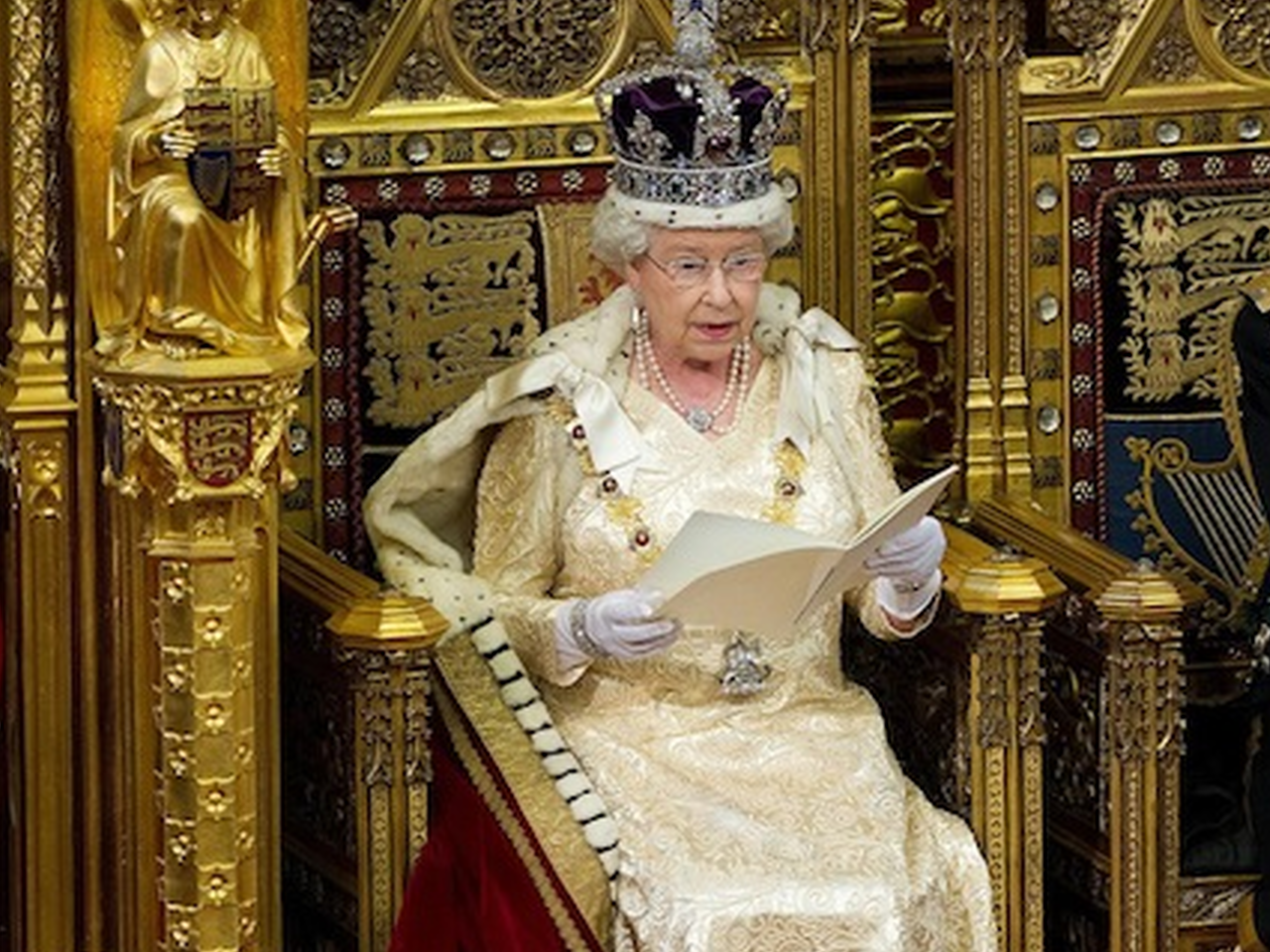 Royal Palace Rebukes Alex Salmond For Involving Queen