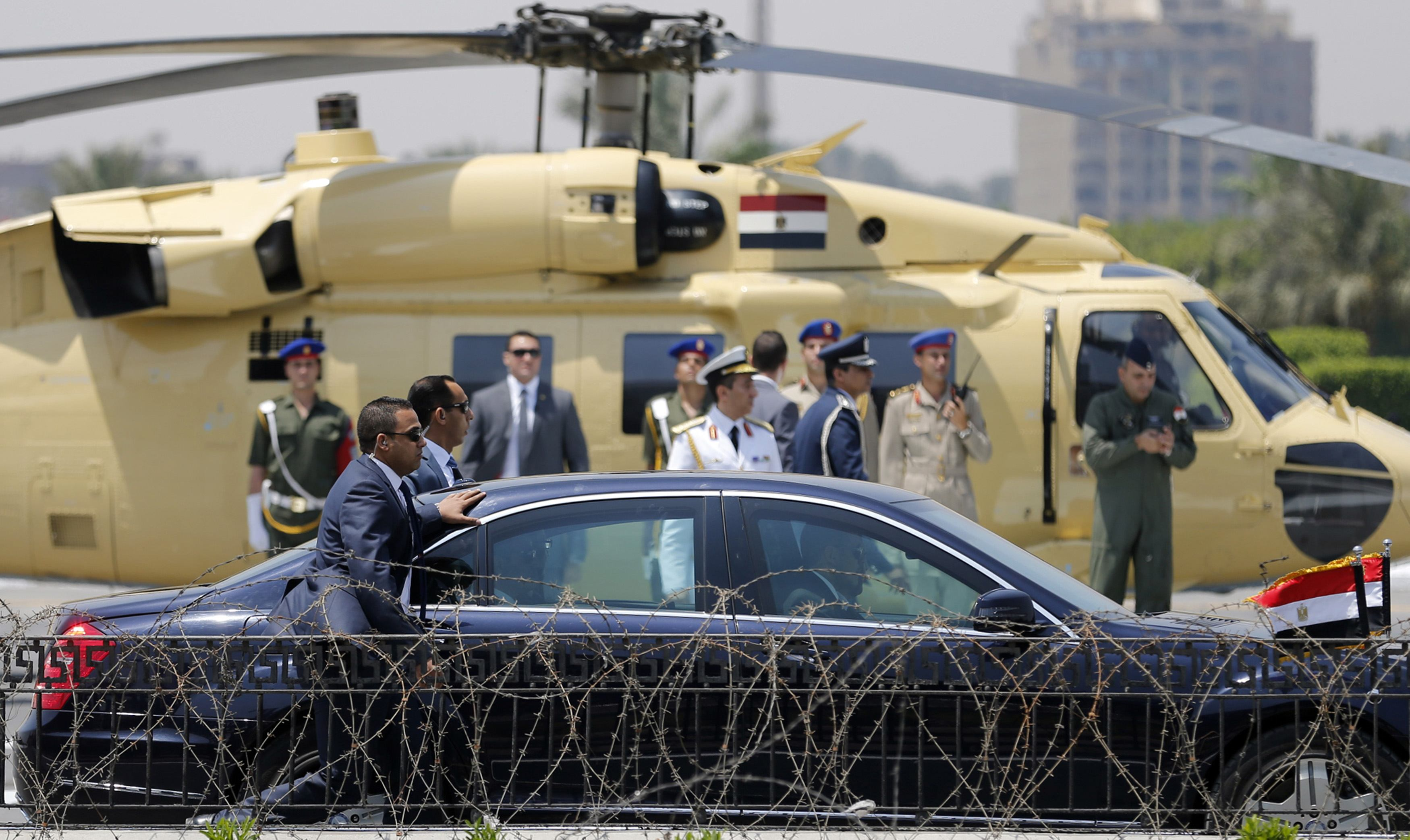 Sisi sworn in as Egypt's president, cool reception from West