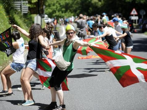 Thousands of Basques form human chain to demand independence from Spain