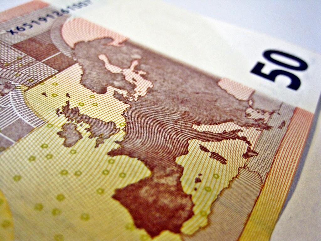 Debt-Ridden EU Backs €Billions Loan to Ukraine