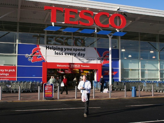 Tesco Profit Error Depresses London Stocks in Early Trade