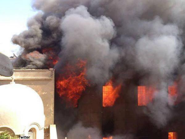 Mosul's Christians Ordered to Convert as Militants Burn Down Cathedral