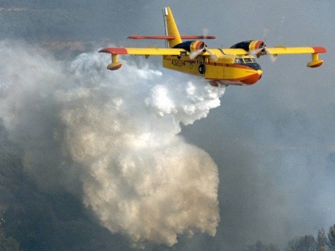Air Tanker Fire Fighter Planes Reactivated after Recent Crash