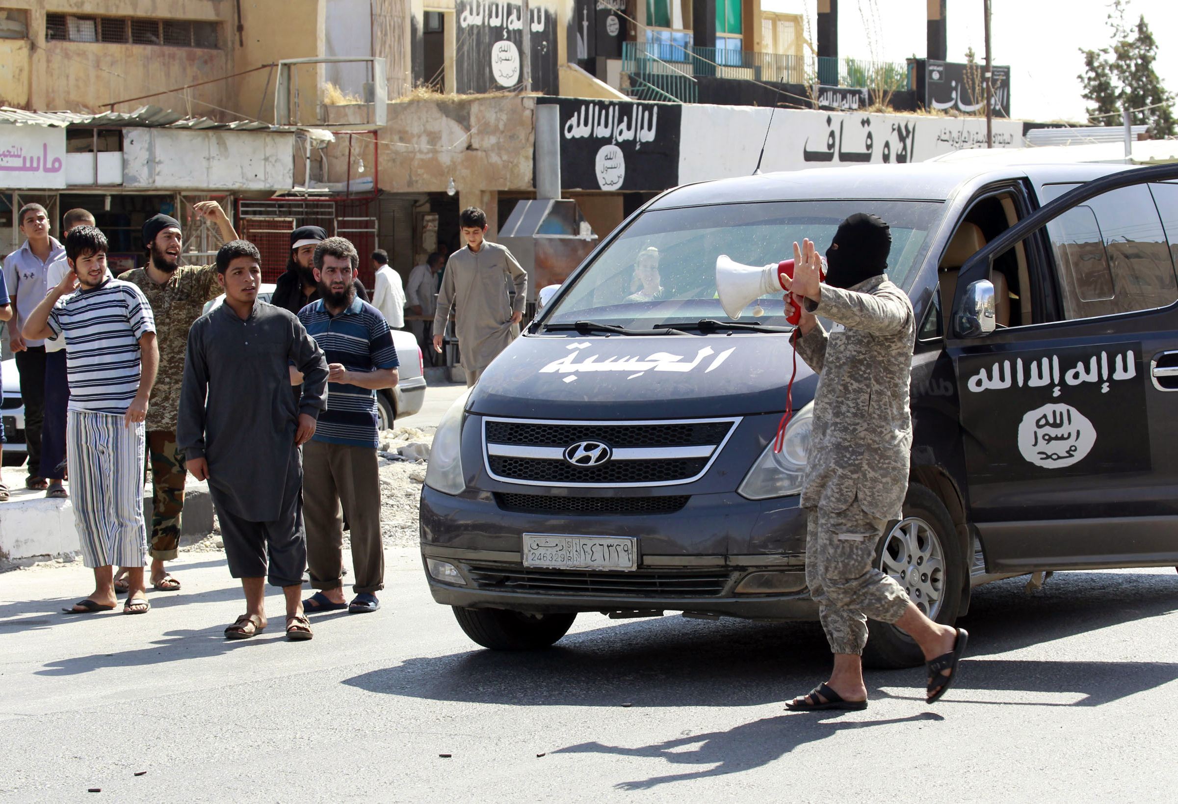 Islamic State Executes Soldiers, Takes Hostages at Syria Base: Social Media