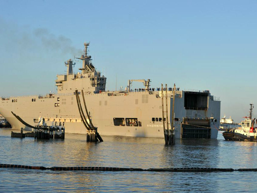 Paris Suspends Delivery of Warship to Russia Over Ukraine
