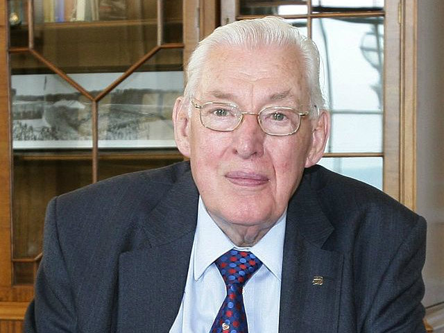 Former Northern Irish Unionist Leader Paisley Has Died