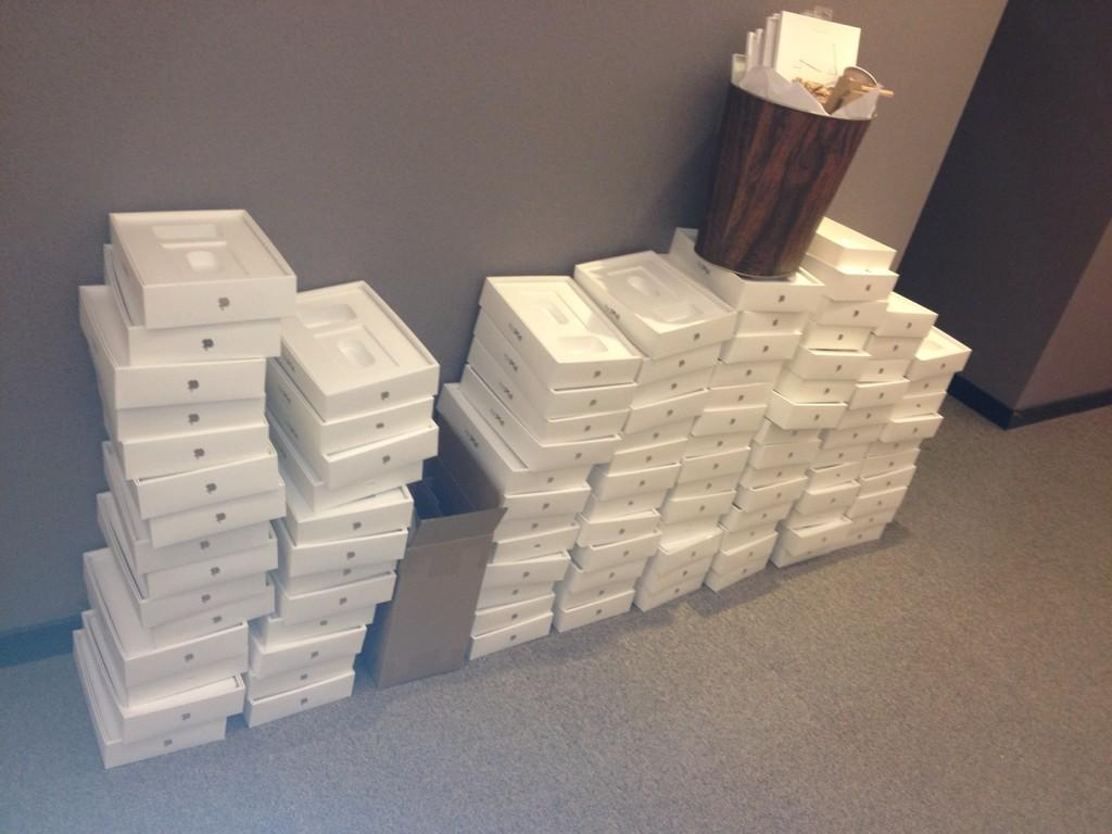 PICTURED: £26,000 Worth of Empty iPad Boxes, Abandoned in the European Parliament