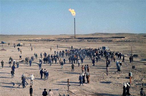 US-Led Strikes Hit IS-Held Oil Sites in Syria