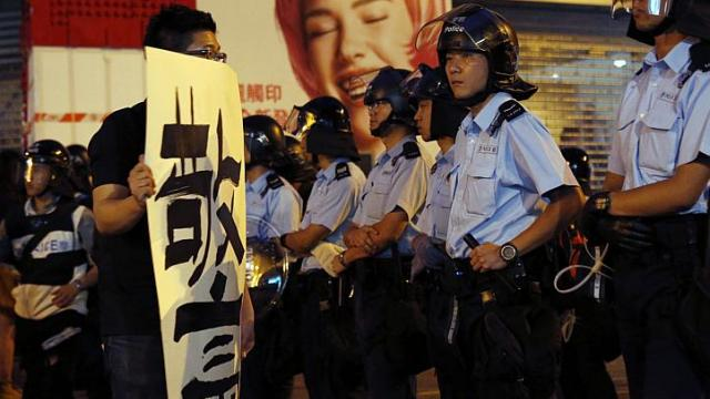 Once Respected, Hong Kong Police Now Reviled by Protesters
