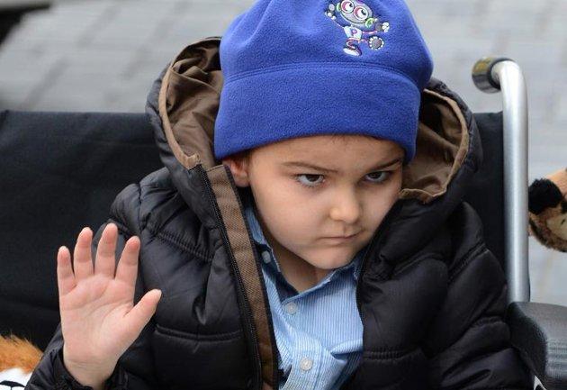 British Cancer Boy Ashya Resumes Treatment in Spain