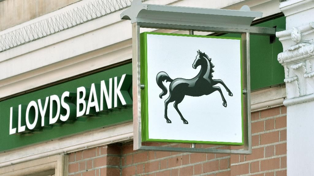 Lloyds Banking Group to Cut 9,000 Jobs