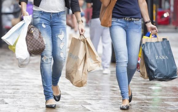 UK Services Growth Slows Sharply in October as Uncertainty Weighs – PMI
