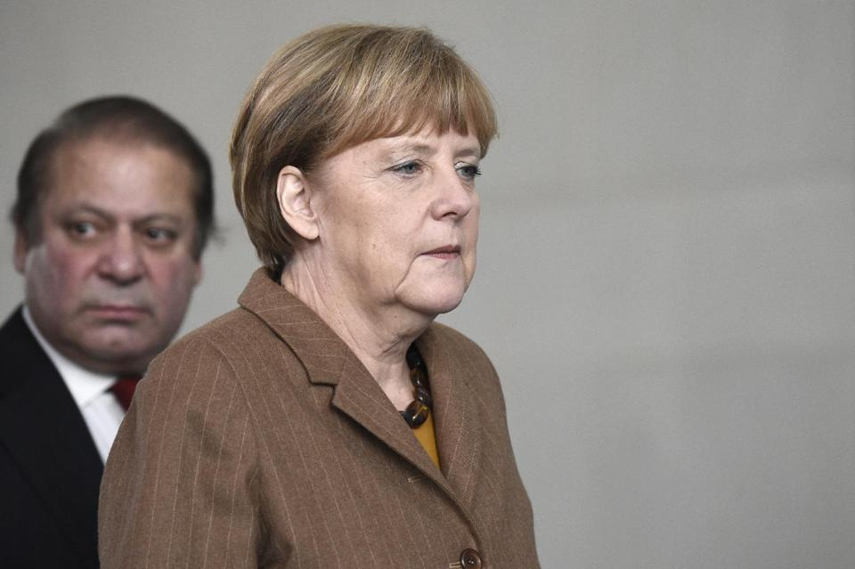 Merkel Says EU Not Planning New Sanctions Against Russia