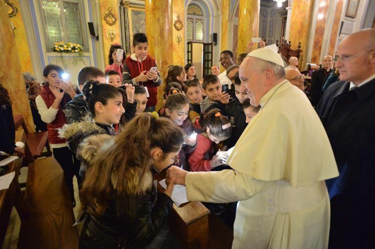 Pope Urges Muslim Leaders to Condemn Islamist Terror
