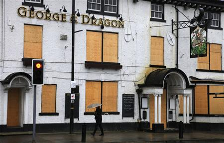 Claim: Teetotal Muslims to Blame For Pub Closures