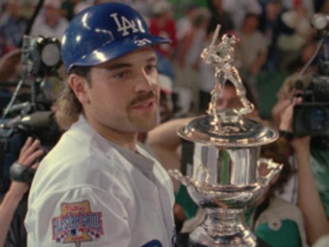 Mike Piazza: Hispanic Baseball Players Should Learn English