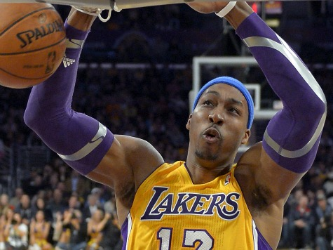 Howard Powers Kobe-less Lakers to within 1 Game of Playoffs