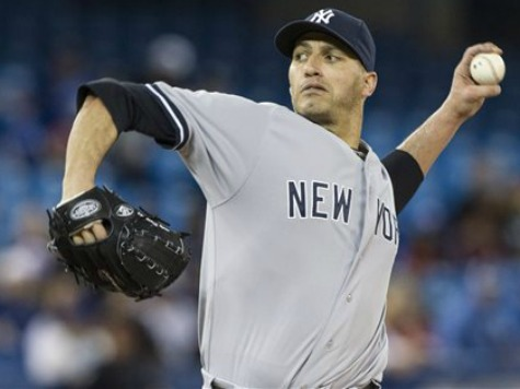 Pettitte Pitches Yankees to Within 3 1/2 Games of Playoffs