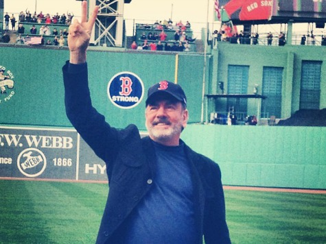 Neil Diamond Gives Boston 'Sweet' Surprise at Fenway