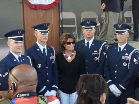 Palin Honors Vietnam Vets at Cost of Freedom Event in Arizona