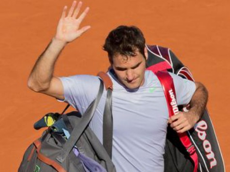Life After 30: Federer Loses, Serena Advances at French Open