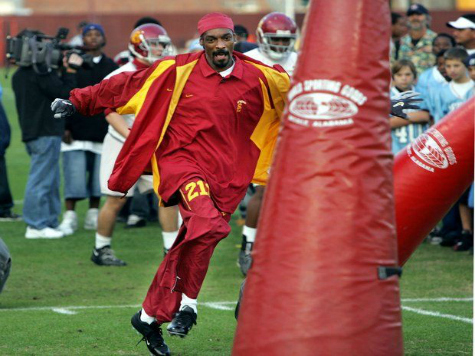 USC Denies Report Snoop Dogg Helped Recruit Football Players