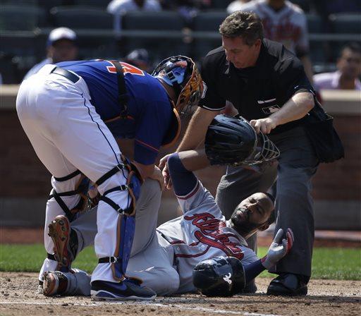 Heyward Suffers Broken Jaw in Braves Win