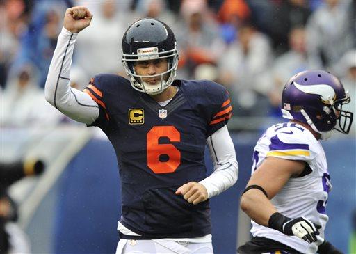 Cutler, Bennett Lead Bears to Comeback Win over Vikings 31-30